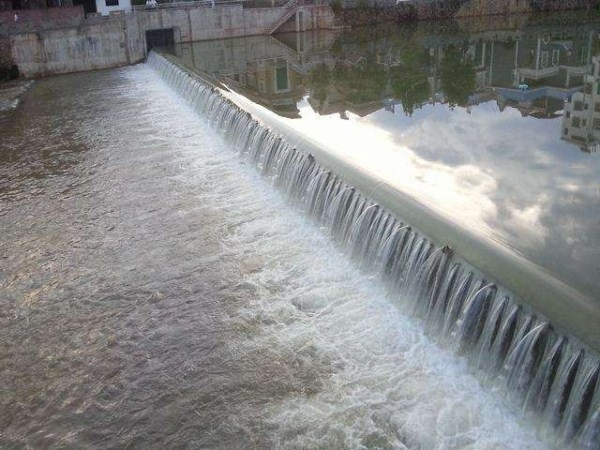 水力自控翻板闸生产定做