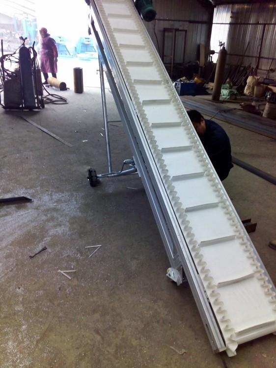 皮带输送机  生产装卸输送机价格