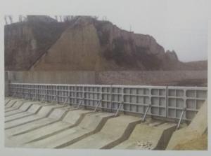 專業生產液壓翻板閘門,景觀壩,鋼壩